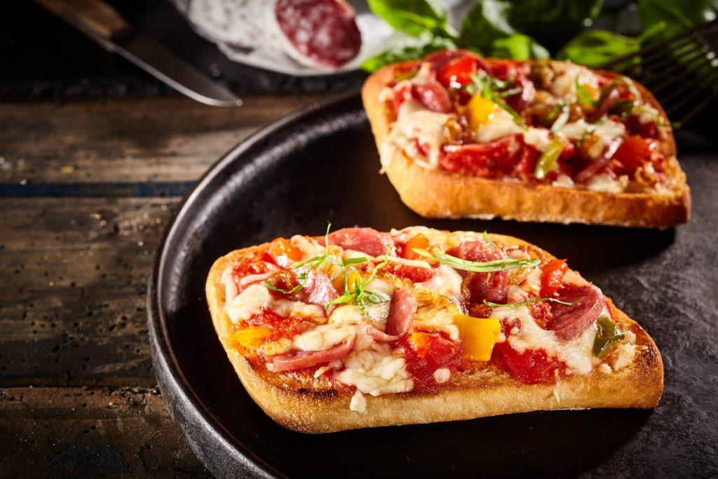 Bread Crusts Pizza